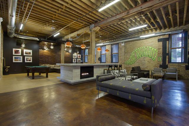 Cobbler Square Loft Apartments In Chicago Il Club Room