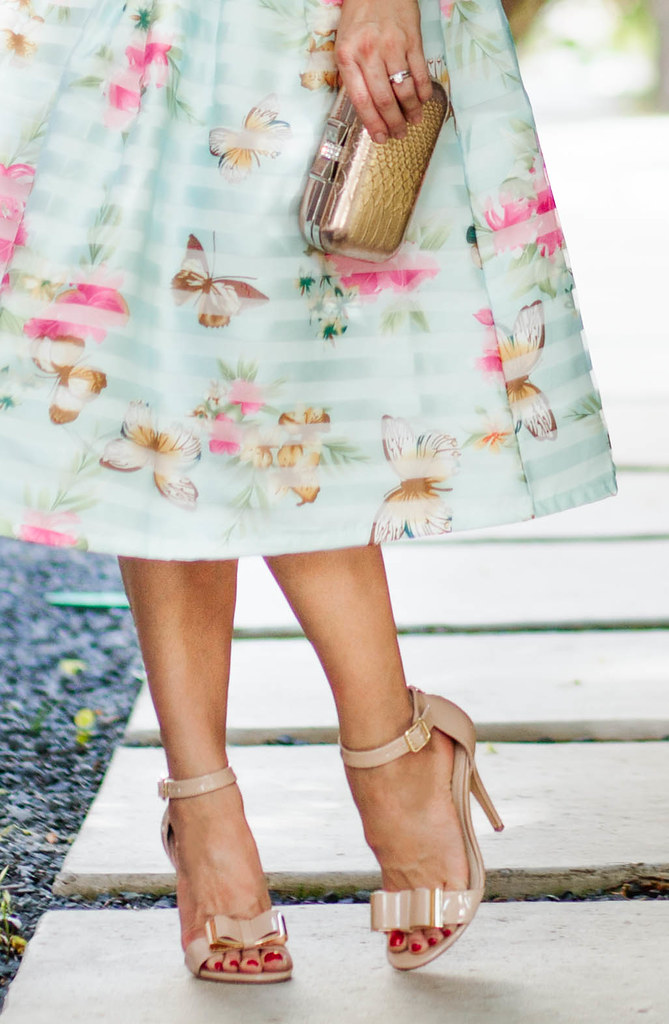 cute & little blog - spring floral midi outfit - chicwish … - Flickrcute & little blog - spring floral midi outfit - chicwish butterfly flower full midi skirt, orange flower bib neklace, nude bow strappy sandals - 웹