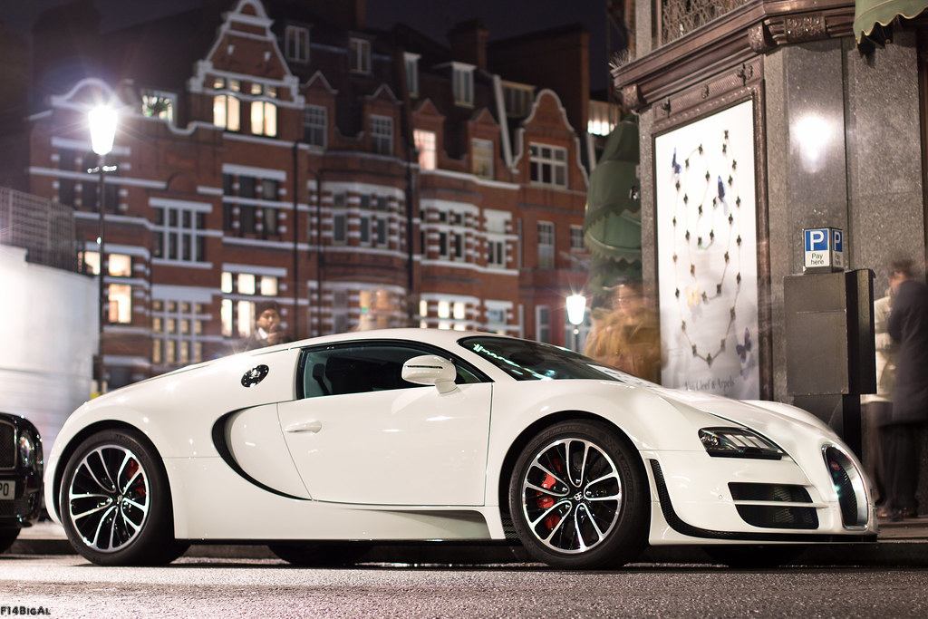 bugatti veyron super sport woooo seen it and it 39 s. Black Bedroom Furniture Sets. Home Design Ideas
