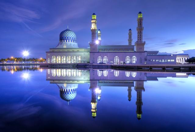 Tempat Singgahan - Masjid Terapung Likas