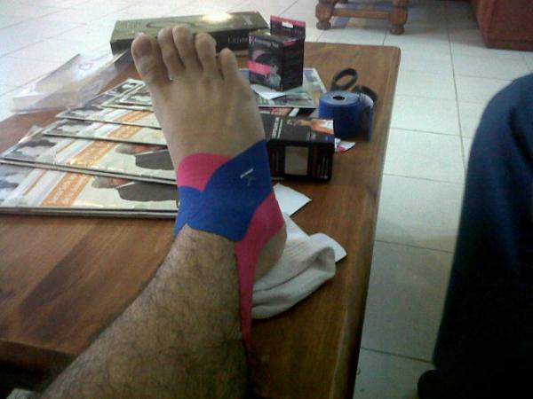 how to put kt tape on ankle