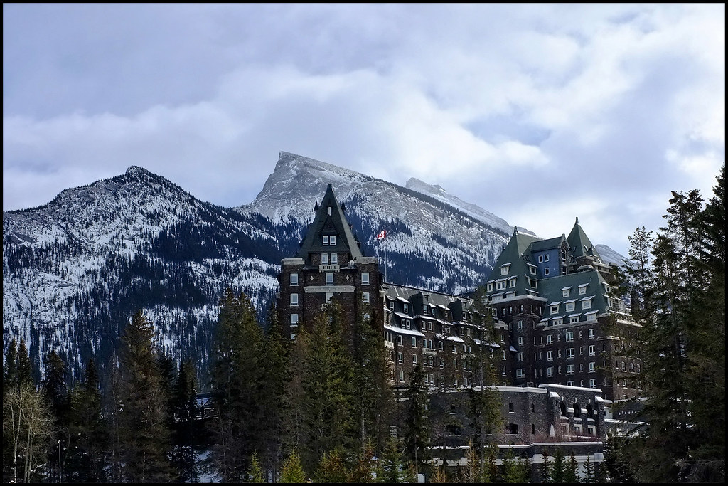 Fairmont Banff Springs Spa Hours
