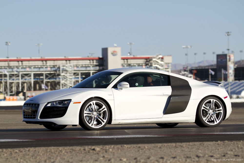 audi r8 driving experience at exotics racing the audi r8. Black Bedroom Furniture Sets. Home Design Ideas