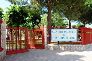 Noicattaro. Congresso Testimoni di Geova front