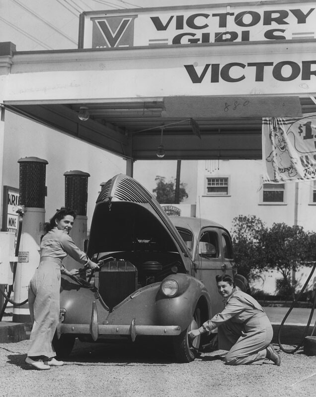 1942 victory girls 39 gas station los angeles ca check yo flickr. Black Bedroom Furniture Sets. Home Design Ideas