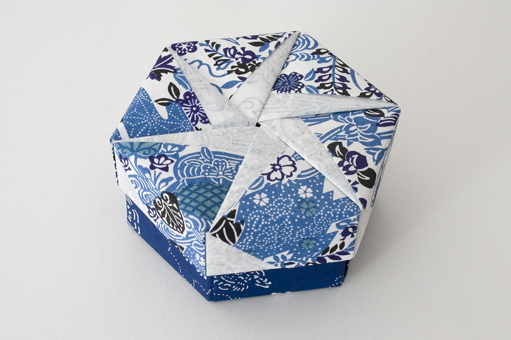hexagonal origami box with lid  19