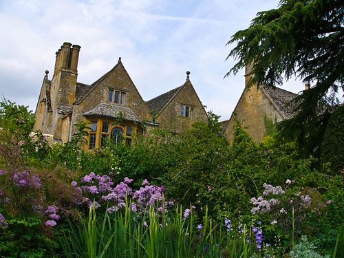 Hidcote Manor | by entireleaves