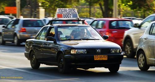 Nissan V16, Taxi colectivo - Santiago, Chile