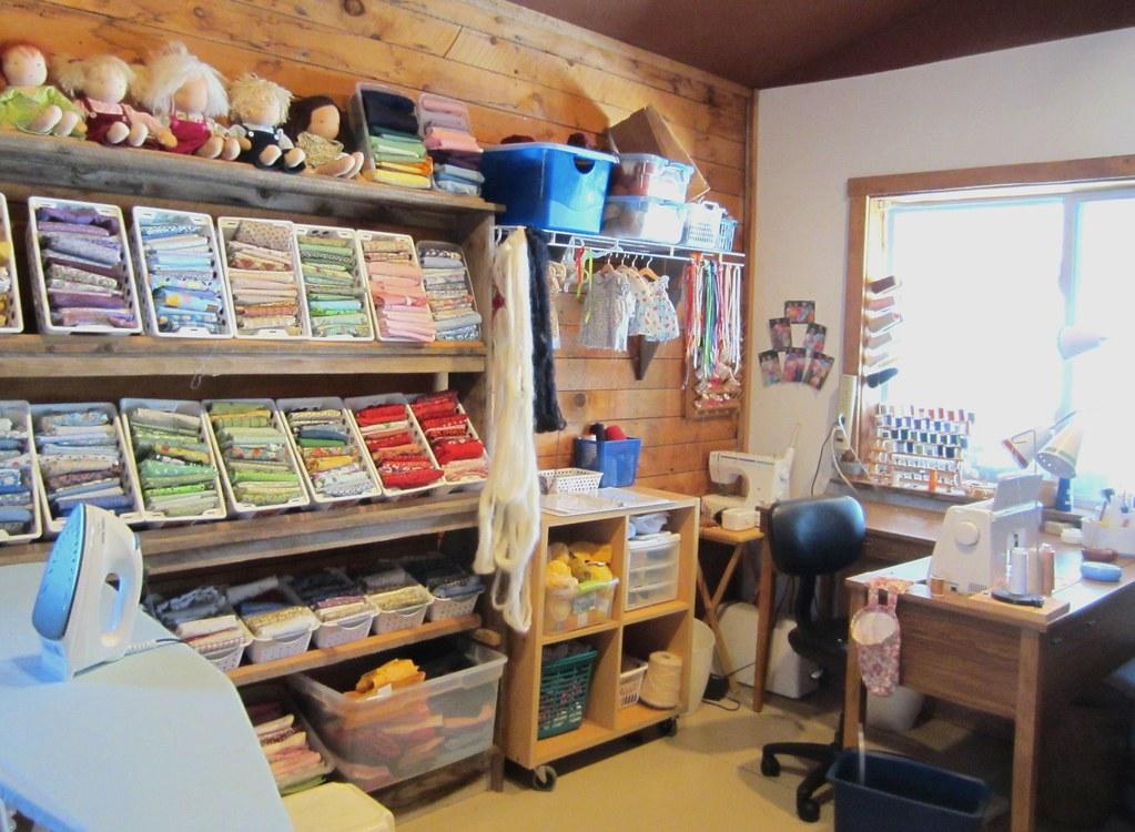 Sewing room jan flickr for Quilt room design ideas
