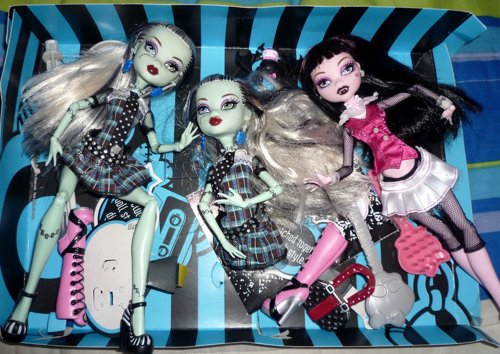 Monster High Frankie Stein ve Draculaura Monster High Frankie Stein