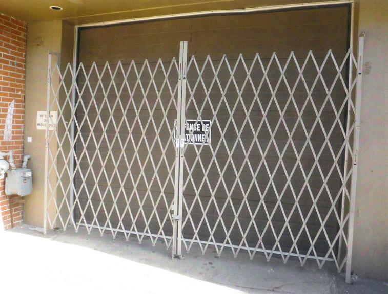 Accord on double pour porte de garage 8 39 20 39 grillage ac flickr - Porte de garage accordeon ...