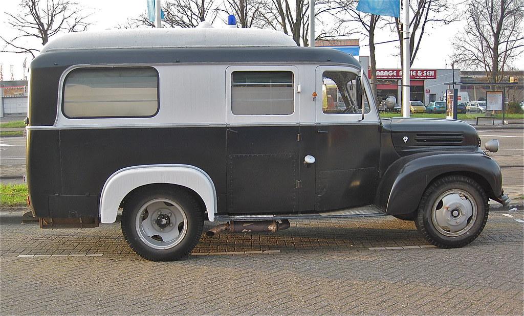 FORD KÖLN TRK 4L V8, Army-ambulance, 30-6-1955   Ex-army ...