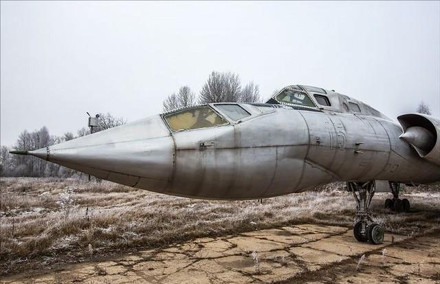 TU-128 05