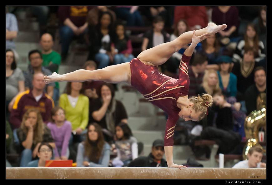 Gymnasts Women's Gymnastics - N...