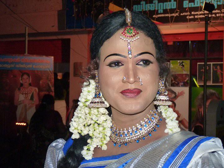 Crossdresser Indian Festivals Chamayavilakku Men Dressed A