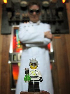 LEGO Collectible Minifigure Series 4 : Crazy Scientist | by wiredforlego
