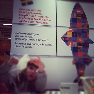Attenta! Dietro di te: un refuso!! #ikea | by Zio Burp