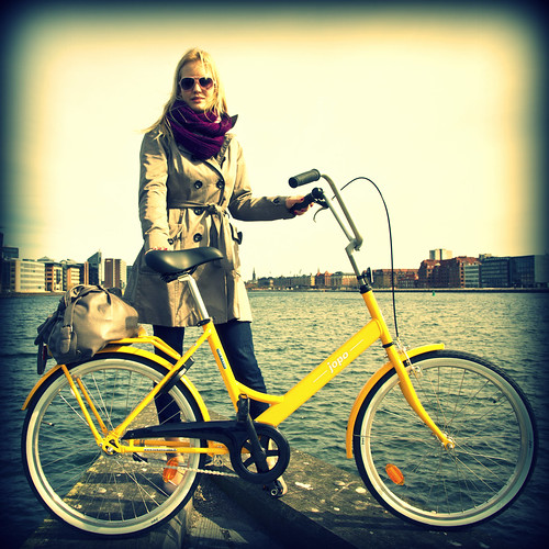 Cycle Chic Photo Shoot with Jopo Bicycles from Finland | by Mikael Colville-Andersen