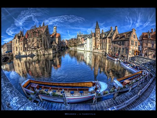 Bruges , a fairytale | by Zuugnap