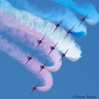 Red Arrows 2011 - Blue Skies, R.I.P. | by THR Photography