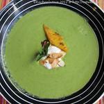 Erbsen-Minz-Suppe mit Polentaschnittchen
