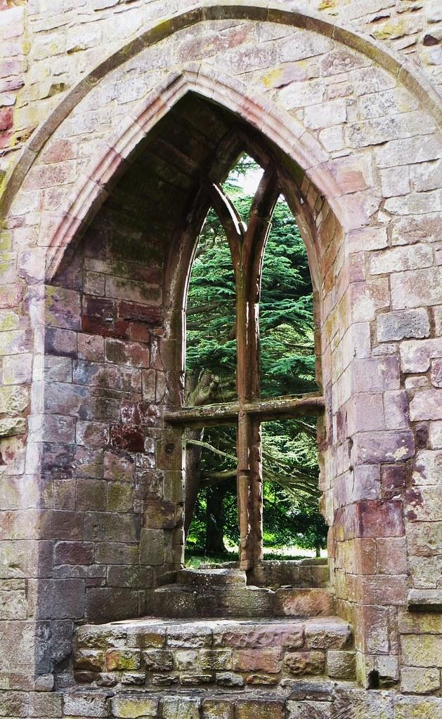 Fen tre gothique abbaye de dryburgh gothique primitif s for Fenetre gothique
