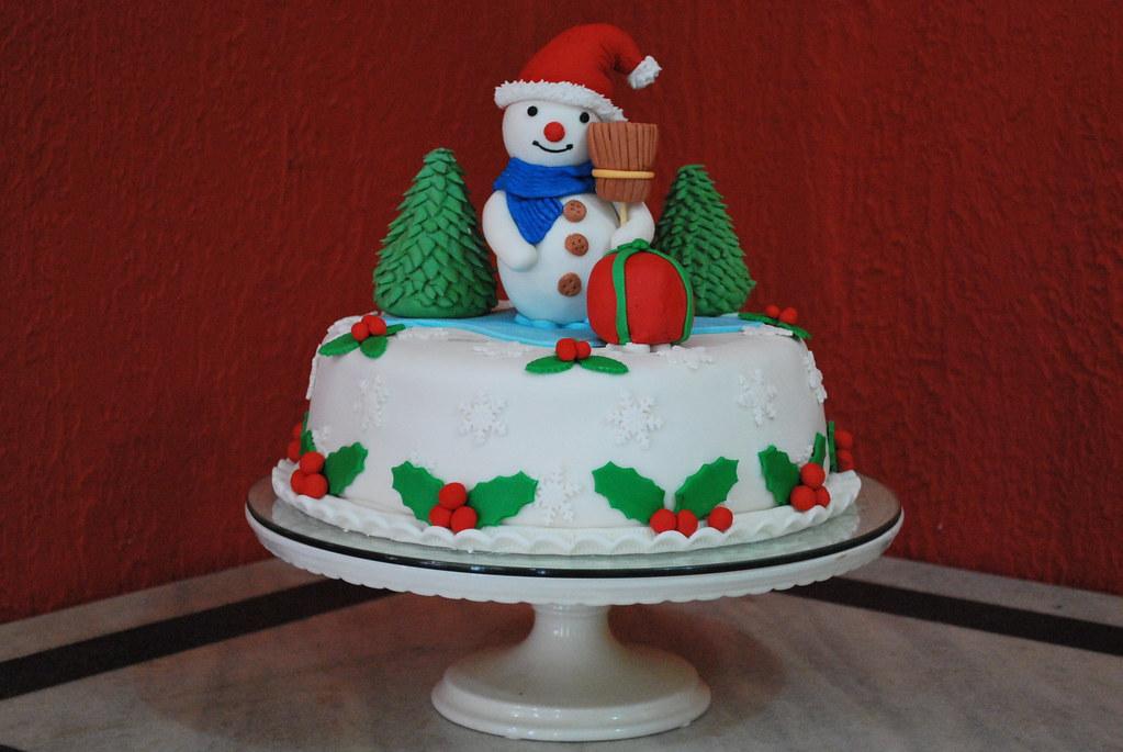 Wi White Christmas Cake