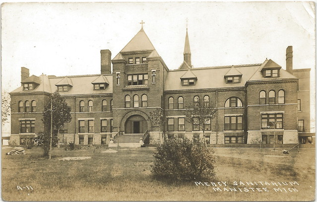 Nw manistee mi rppc 1919 mercy sanitarium mineral bath for Bath house michigan