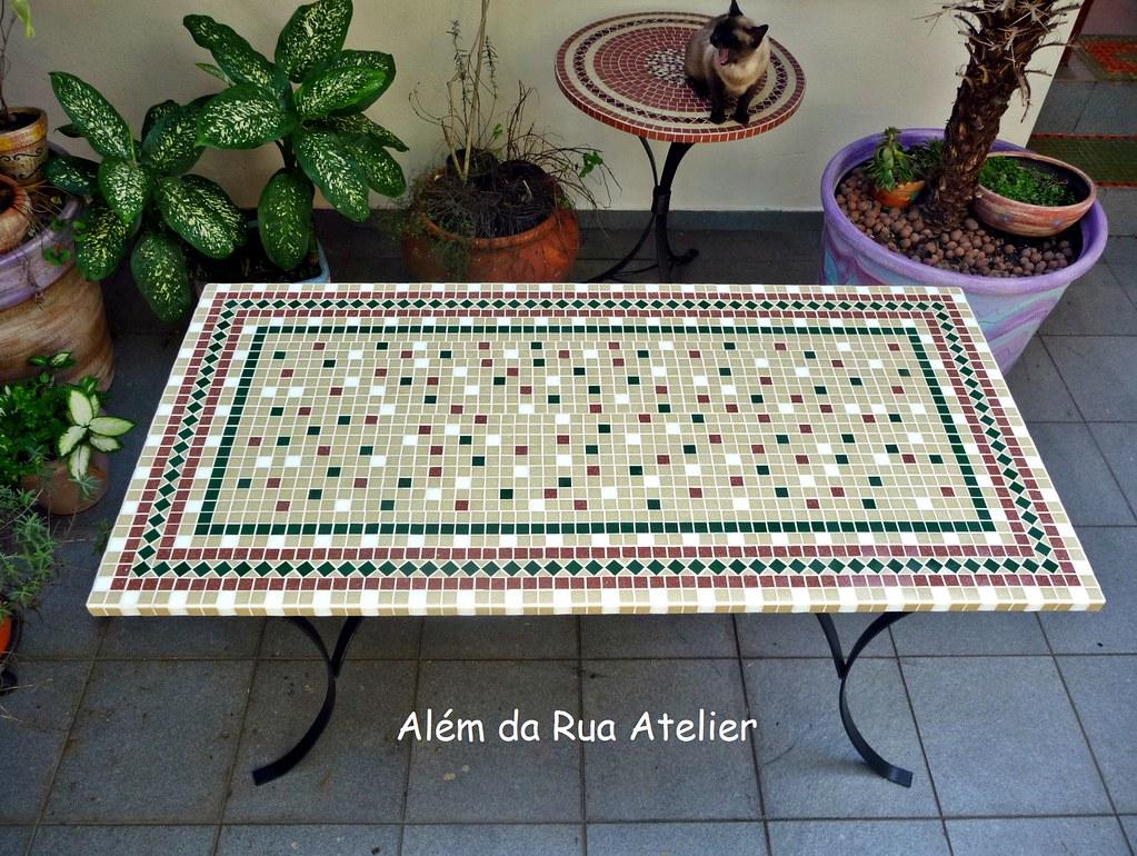 Mesa de mosaico tampo de mosaico feito em base de for Mesas de mosaico