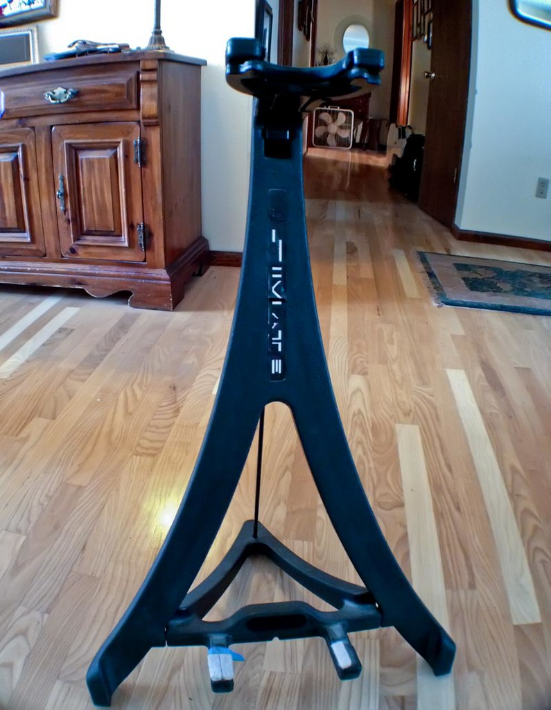 Ultimate Support Guitar Stand The Klingon Label Edition