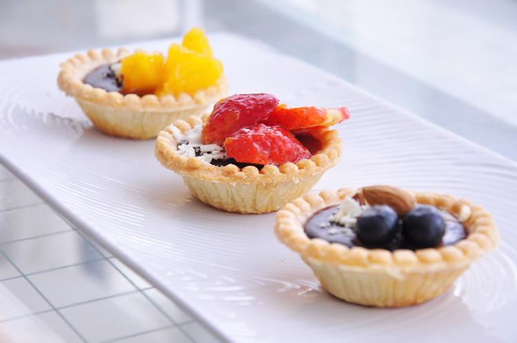 Chocolate Ganache Fruit Tarts | chocolate ganache fruit tart ...