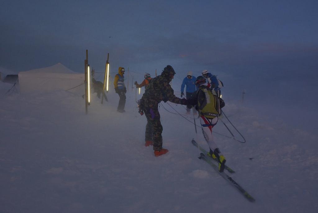 Schönbiel - 2600 m, εδώ το δέσιμο της ομάδας με σχοινί είναι υποχρεωτικό