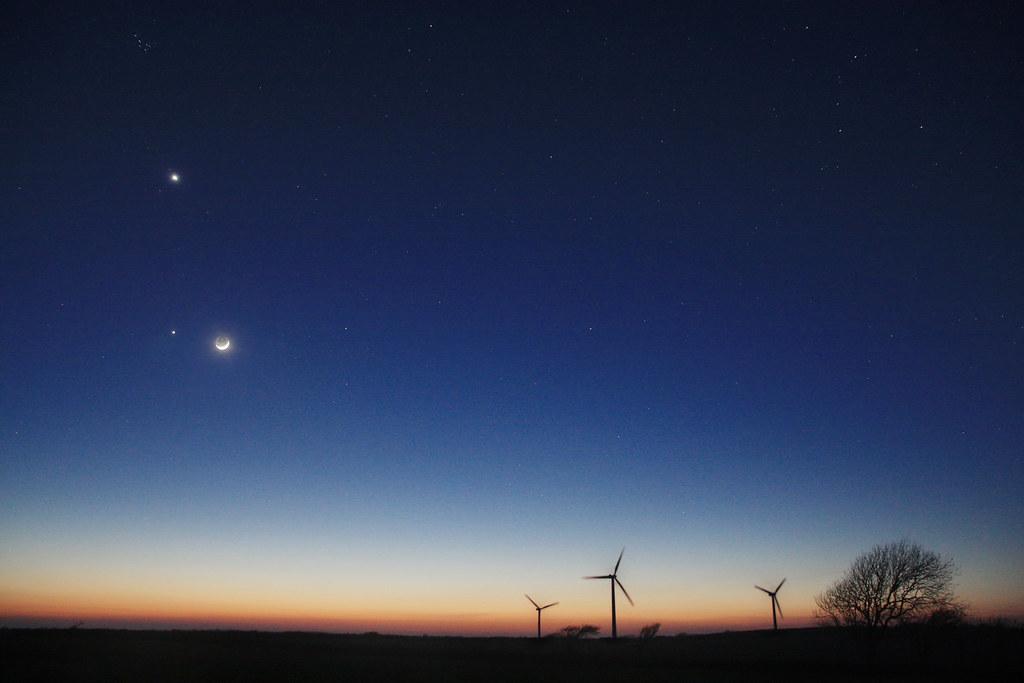 Moon - Venus and Jupiter - Sunset | A wonderful sunset ...