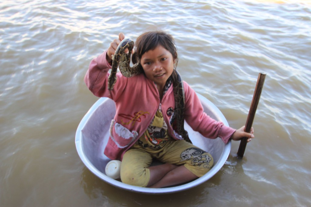 Snake Girl, Tonle Sap Lake - Siem Reap, Cambodia | Nadine | Flickr