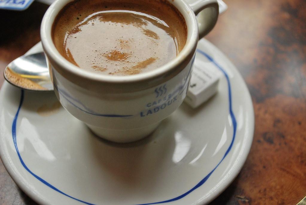Tasse A Cafe En Gre Avec Doucoupe
