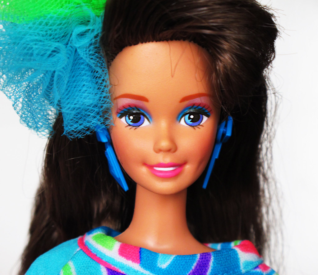 Totally Hair Barbie 1991 brunette   Love her face and make-u ...