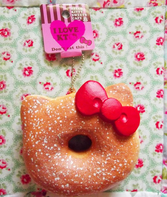 Squishy Hello Kitty Donut 2015 : NEW HELLO KITTY DONUT SQUISHY TAG Squishy