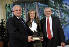 NWF Honors Nickelodeon with 2012 Connie Award