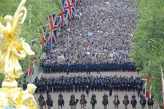 Crowds On The Mall for Queen's Diamond Jubilee Celebrations | by Defence Images