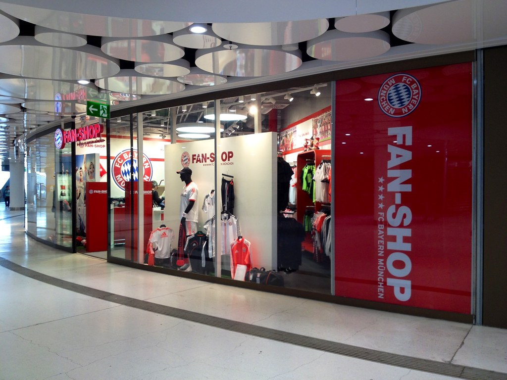 fc bayern m nchen fan shop stachus freizeit sport mymunich flickr. Black Bedroom Furniture Sets. Home Design Ideas
