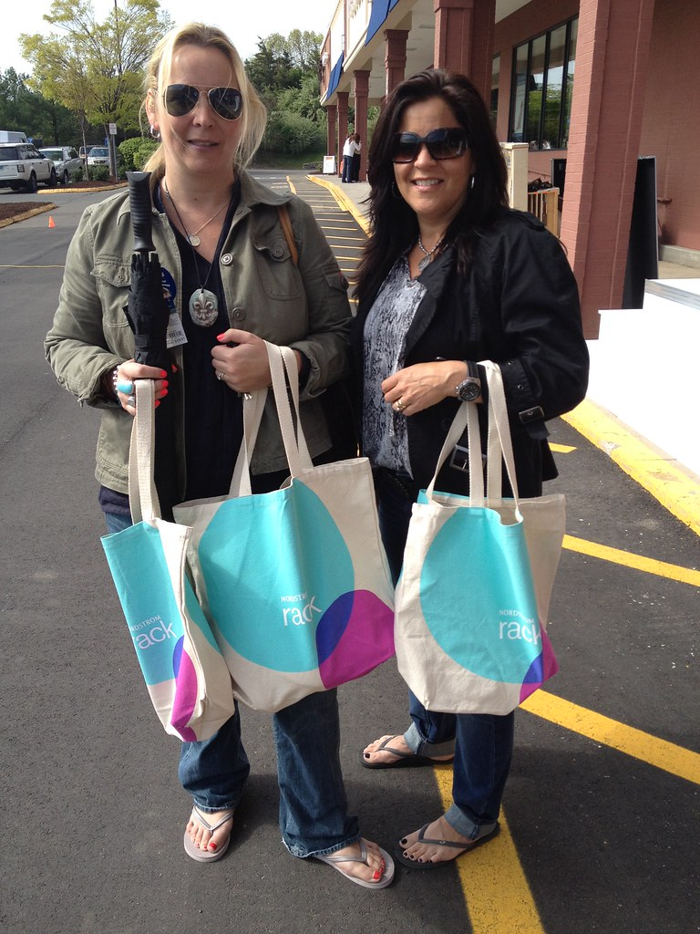 Shoppers don their new Nordstrom Rack tote bags | This ...