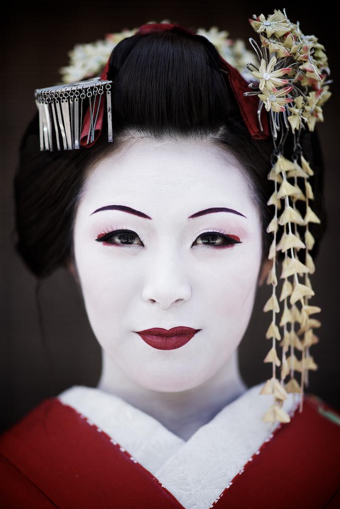 Maiko Henshin japanese girl at Sannen-zaka street, Kyoto ...