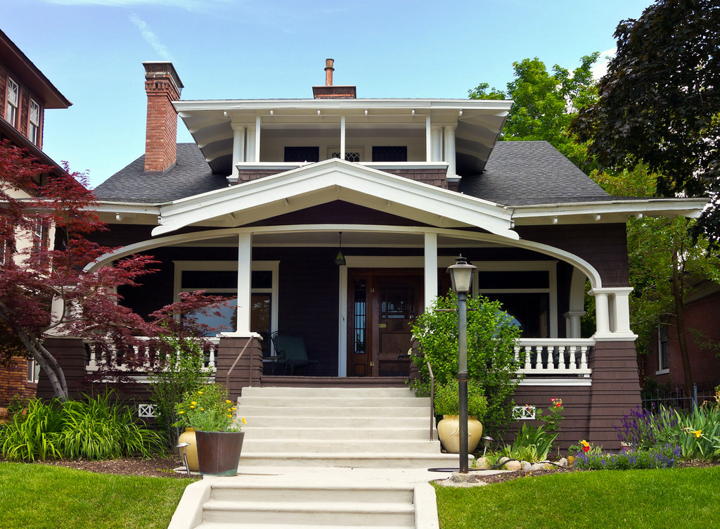 White trim craftsman bungalow house part of the salt - What is a bungalow house ...