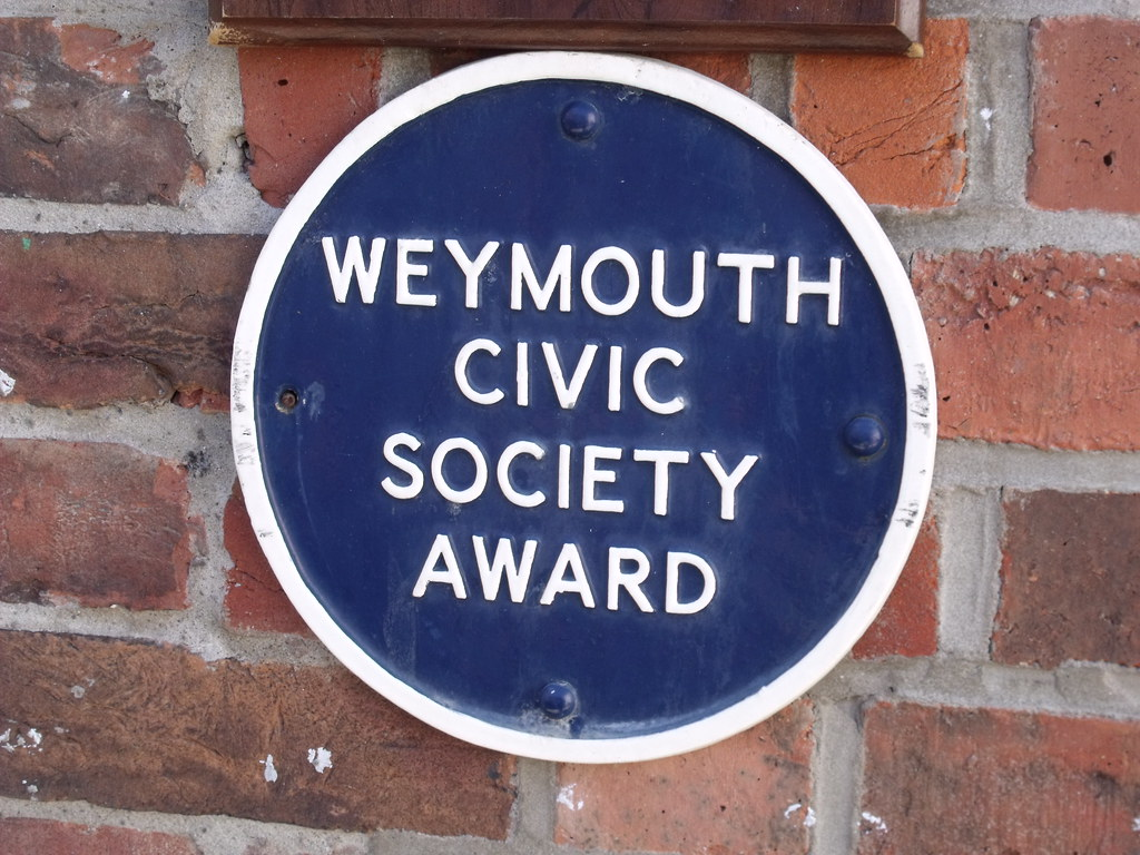 The Clipper - St Thomas Street, Weymouth - blue plaque - W ...