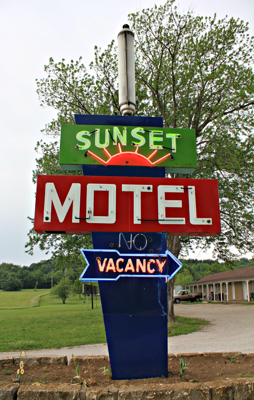 Sunset Motel - 205 East 24-40, Tonganoxie, Kansas U.S.A. - May 6, 2012
