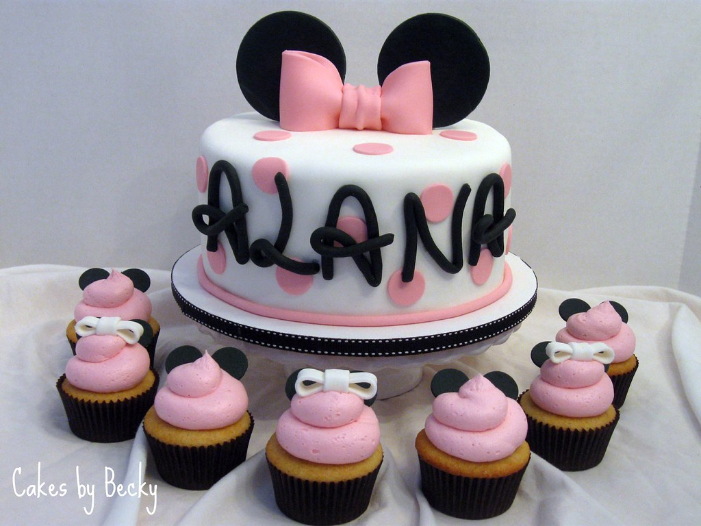 Minnie Mouse Cake With Matching Cupcakes Cake And