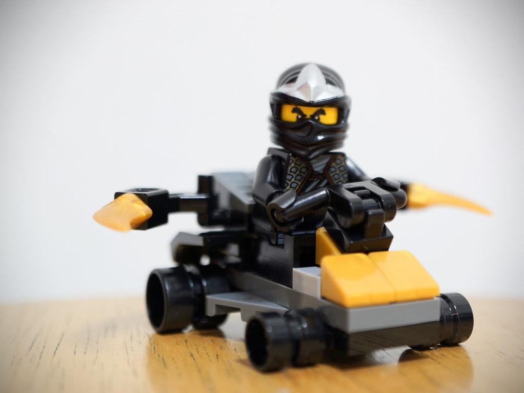cole zx in car lego ninjago 30087 wee sen goh flickr. Black Bedroom Furniture Sets. Home Design Ideas