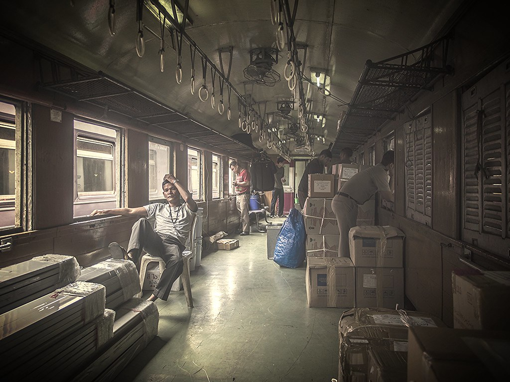 les employés du train ...  27195902241_18a3d85a6d_b