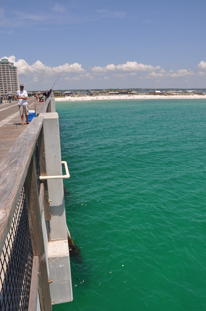 Navarre beach florida the navarre beach fishing pier for Navarre beach fishing pier