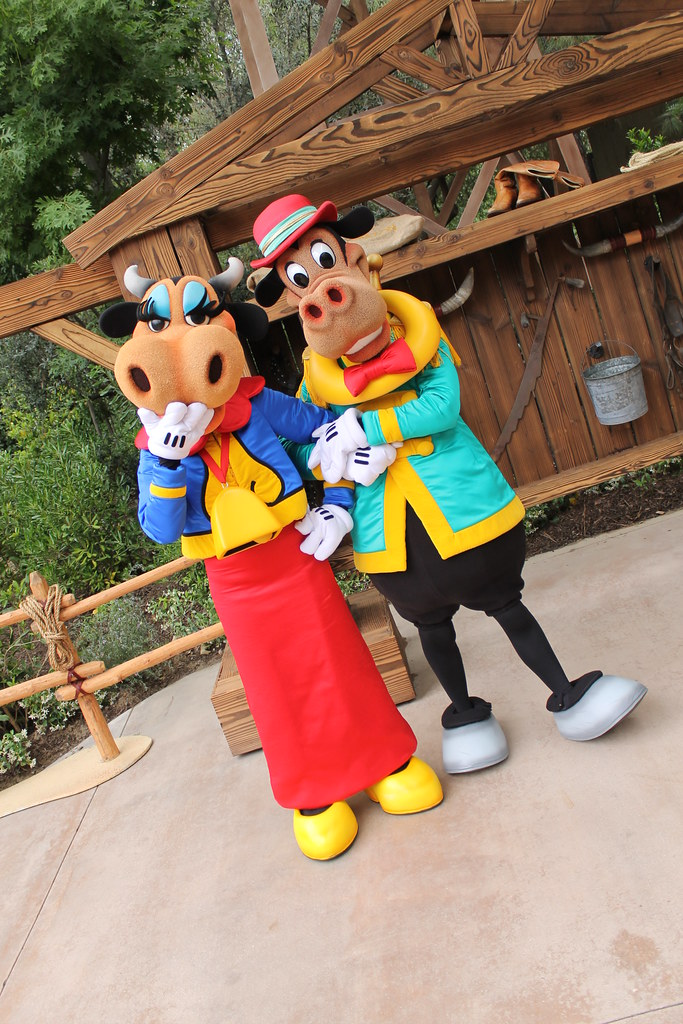 'Long Lost Friends' return to Walt Disney World for ...  Horace Horsecollar And Clarabelle Cow